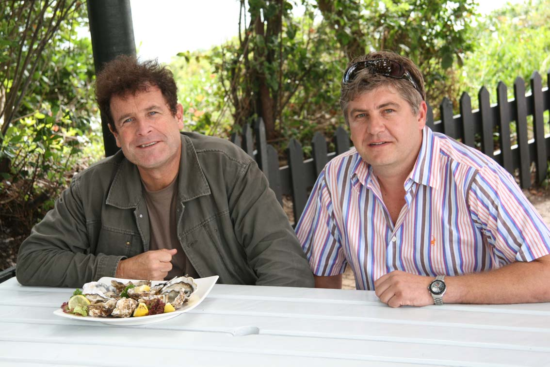 johnny-clegg-at-east-head-cafe